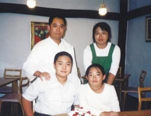 家族4人のスナップショット